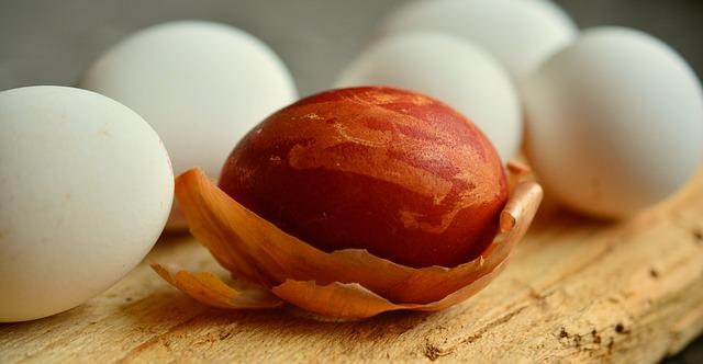 velikonoční vajíčko v cibuli.jpg