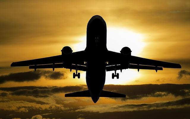 slunce nad letadlem.jpg