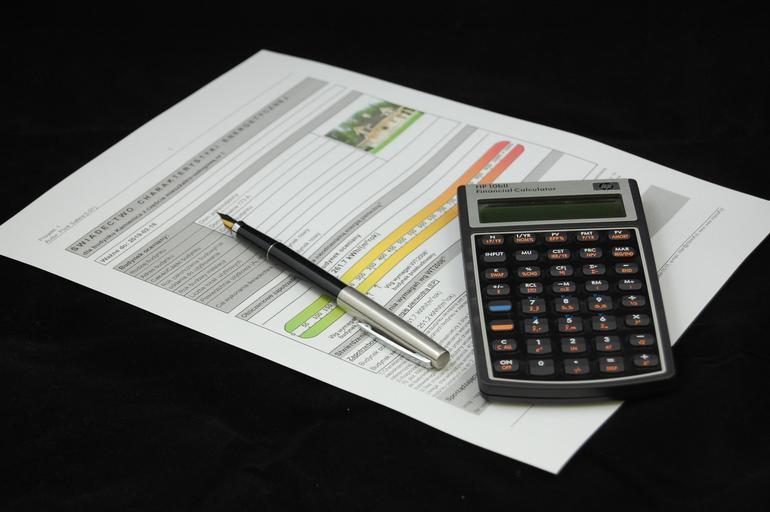 kalkulačka + smlouva